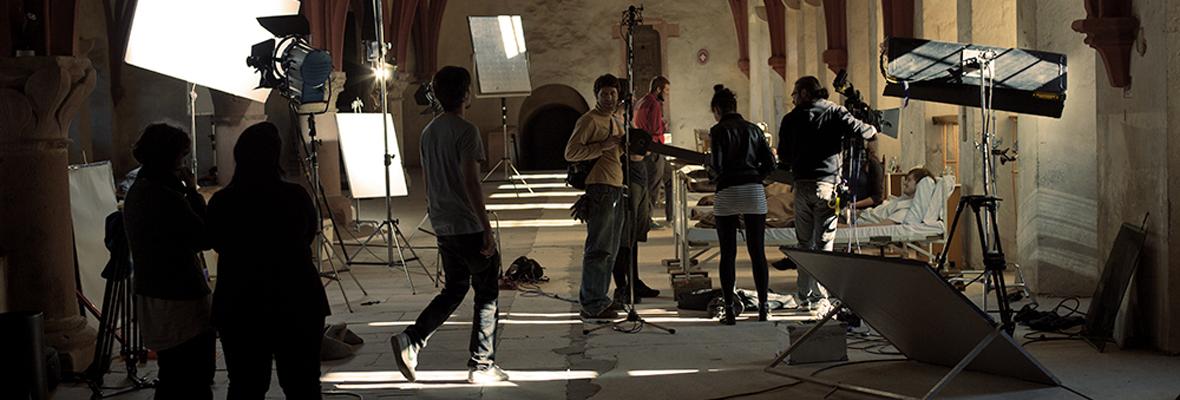 """Dreharbeiten zum Film """"Die weiße Lilie"""" im Kloster Eberbach"""